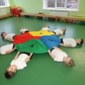 Фотоотчет «Использование нестандартного оборудования на занятиях по физическому развитию»