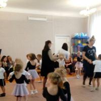 Фотоотчет о проведенном совместном мероприятии с родителями старшей группы «Танцевальная гостиная»