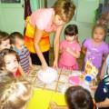 Фотоотчёт совместной деятельности детей в средней группе «Сделаем сюрприз мы маме, испечём печенье сами»