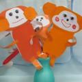 Поделка «Веселые обезьянки»