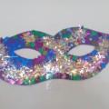 Мастер-класс «Новогодние маски» (из цветного картона)