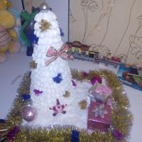 Фотоотчет о совместной работе с родителями и детьми по украшению группы к Новому году «Арт-елка»