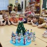 Мастер класс по конструированию из бросового материала «Снеговик— помощник Деда Мороза»