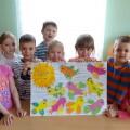 «Прилетели птичьи стаи». Коллективная работа. Художественное творчество детей.