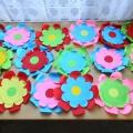 Детский мастер-класс по аппликации «Цветы для праздника».