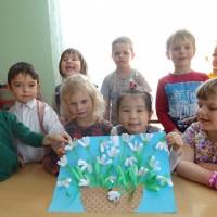 Детский мастер-класс по созданию коллективной работы «Подснежники»