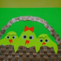 Детский мастер-класс по аппликации «Цыплята в корзине»