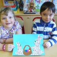 Детский мастер-класс по аппликации «Зайцы с пасхальной корзиной»