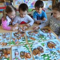 Детский мастер-класс по создание детьми настольного театра по мотивам украинской народной сказки «Рукавичка»