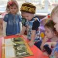 Беседа с детьми с рассматриванием картины Васнецова «Три богатыря» по плану мероприятий, посвящённых 70-летию ВОв