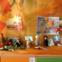 Фототчет о выставке поделок из природных материалов «Осенняя сказка в стране Чиполлино» в подготовительной группе