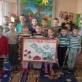 Изготовление стенгазеты для ветеранов ВОВ «Этих дней не смолкнет слава!» для детей старшей группы «Очаровашки»