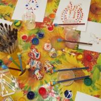 Фотоотчет о занятии по рисованию «В гостях у дымковской игрушки»
