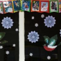 Фотоотчет об украшении группы флажками «Чудесные и добрые новогодние открытки»
