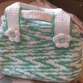 Это пошаговая инструкция, как связать сумку из полиэтиленовых пакетов (мастер-класс по вязаному цветочку для...