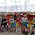 Дидактическая игра для малышей своими руками «Веселые прищепочки»