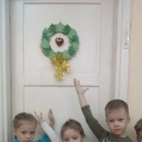 Мастер-класс по изготовлению новогоднего веночка для украшения групповой комнаты