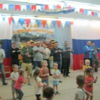 Фотоотчет о развлечении «Курс молодого бойца», посвященном Дню защитника Отечества, для младшей группы