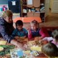 Коллективная работа с детьми (аппликация-лепка) «С юбилеем, детский сад!»