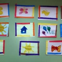 Фотоотчет о занятии по рисованию с элементами аппликации «Картинки для наших шкафчиков» для детей среднего возраста