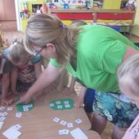 День открытых дверей в ДОУ. Квест-игра по ФЭМП для детей и родителей «Помочь Математике» (старшая группа)