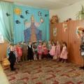 «Весна-Красна»— вторая младшая группа. Фотоотчет празднования 8 Марта