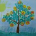 Конспект НОД по рисованию в нетрадиционной технике «Яблоня с золотыми яблоками» (старшая группа)