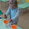 Экспериментальная деятельность в младшей группе на тему: «Песок. Свойства песка. Изготовление куличиков из песка»