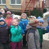 Целевая прогулка в средней группе «Знакомство со школой»