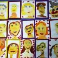 Выставка детских рисунков «Портрет любимой мамы»