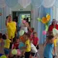 Сценарий летнего спортивного праздника для детей вторых младших групп «Здравствуй, лето!»