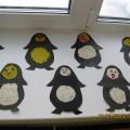 «Пингвины» (рельефная лепка). Работы детей подготовительной к школе группы