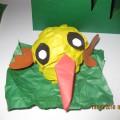 Аппликация из мятой бумаги «Цыплёнок на травке». Работы детей подготовительной к школе группы.