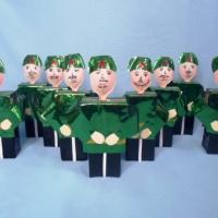 Детский мастер-класс по конструированию из бросового материала «Солдат— подарок папе» (подготовительная к школе группа)