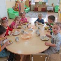 Фотоотчет «Чтобы быть здоровым— нужно правильно питаться!»