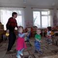 Растим детей здоровыми, крепкими, жизнерадостными. Конспект утренней гимнастики в первой младшей группе