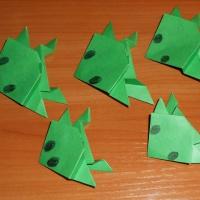 Мастер-класс по конструированию из бумаги в технике оригами «Лягушка»