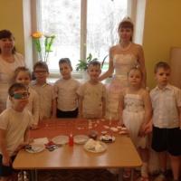 Конспект по хромотерапии «Снежная Королева в гостях у детей»