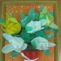 Объемная аппликация из пластиковых стаканчиков «Подарок для любимой мамы»