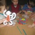 Конспект по продуктивной деятельности (пластилинография) в младшей группе «Забавная обезьянка»
