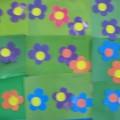 Фотоотчет по аппликации в младшей группе по теме «Цветочная поляна».