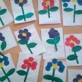 Аппликация «Цветы в подарок маме, бабушке» (вторая младшая группа)