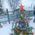 «Верим в сказку». Фотоотчет о новогоднем украшении участка детского сада.