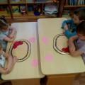 Коллективная работа к Дню Святого Валентина (из цветной бумаги) «Февральские мышки»