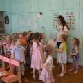 Развлечение с элементами нетрадиционного рисования для детей средней группы: «В поисках Кисточки» совместно с родителями.