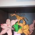 Лилии из фоамирана.