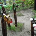 Мастер-класс. Элементы летнего оформления участка из пластиковых бутылок «Жираф и зебра»