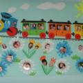 Стенгазета «Паровоз, паровоз новенький веселый, он мамочек повез на весенний праздник».