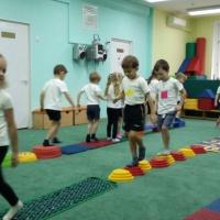Конспект интегрированной непосредственной образовательной деятельности в средней группе «Поможем ёжику!»