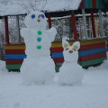 «Снеговик и снегопес». Лепка из снега
